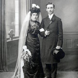 Schnitte für Jahrhundertwende-Kostüme